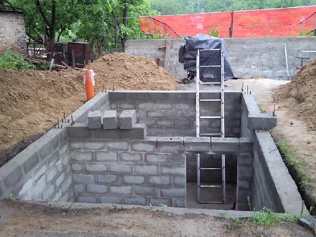 Строим гараж с погребом своими руками