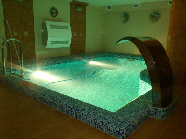 Про бассейн в подвале дома