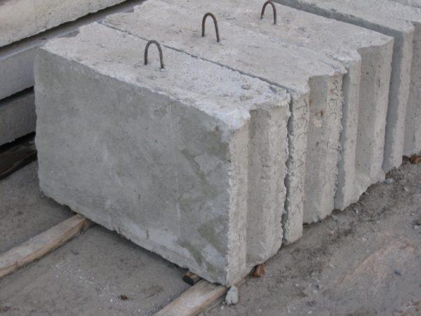 О бетонном цоколе