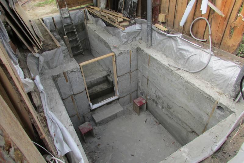 Как сделать бетонный подвал в гараже 947
