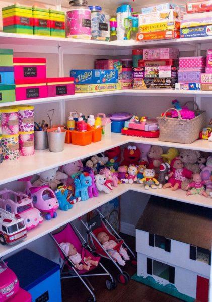 Хранение игрушек в кладовке