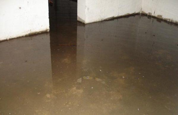 О воде в подвале жилого дома