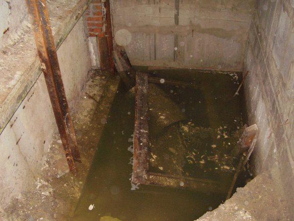 О воде в подвале дома