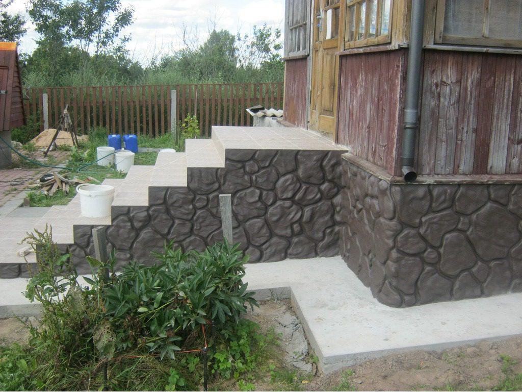 Отделка цоколя своими руками цементным раствором под камень заказать насос для бетона