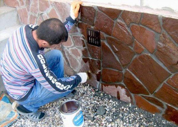 Штукатурка цоколя под камень