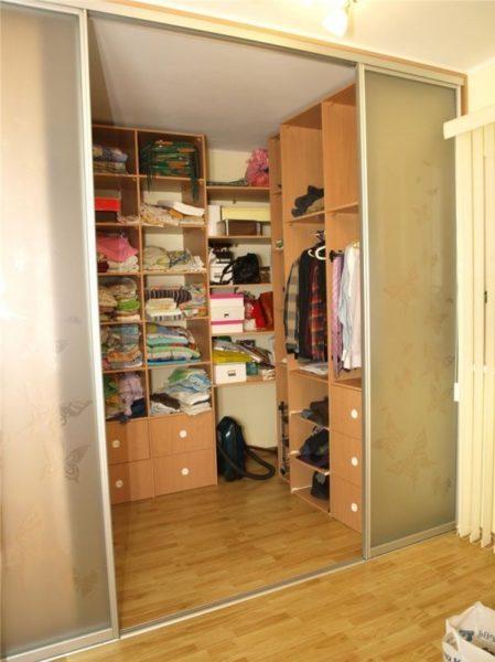 2 комнатная хрущевка с кладовкой