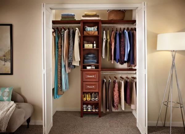 Как сделать гардеробную из кладовки?