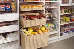 Кладовая в доме для хранения овощей